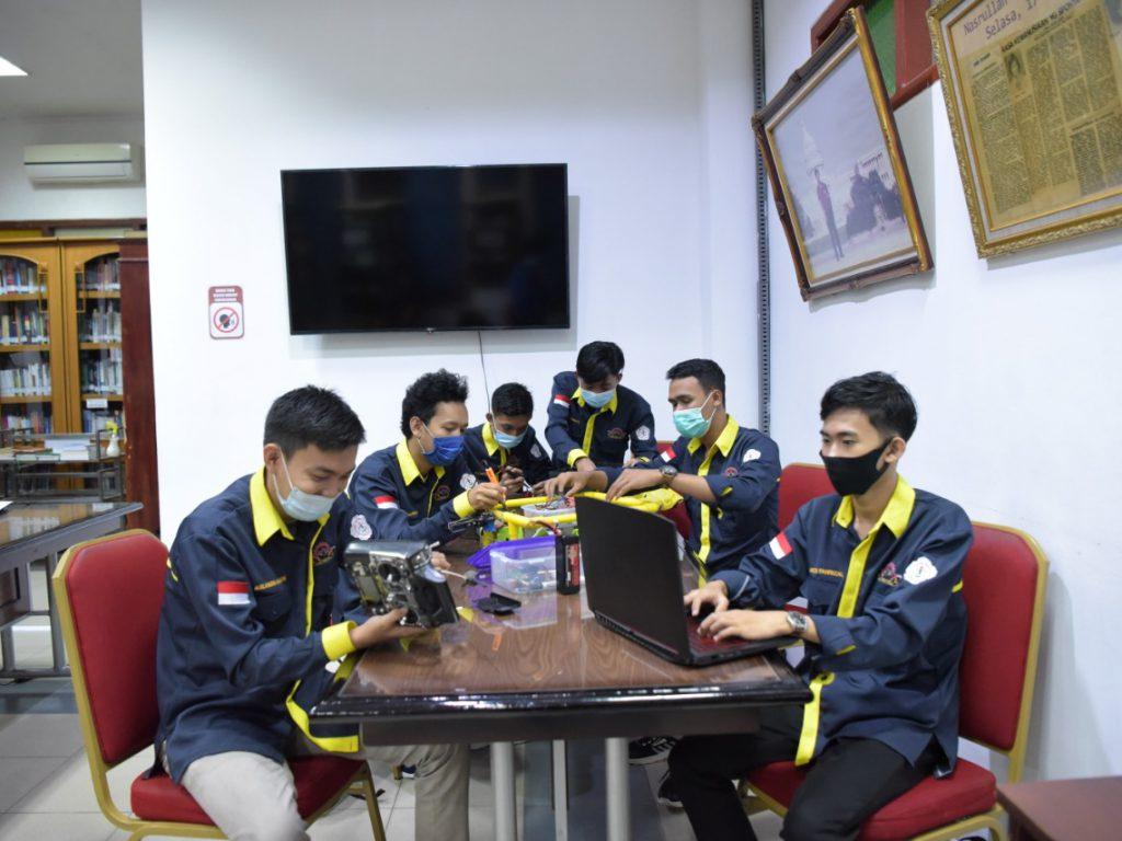 Mahasiswa Teknokrat Juara Nasional Robot Kapal Selam Indonesia