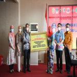 Universitas Terbaik di Lampung, Teknokrat Serahkan 1.500 Paket Sembako ke Pemkot Bandar Lampung
