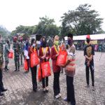 Universitas Teknokrat Indonesia Bersama Brigif 4 Marinir/BS Lampung Bagikan Ribuan Paket Sembako